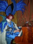 Blu Drag Pianist